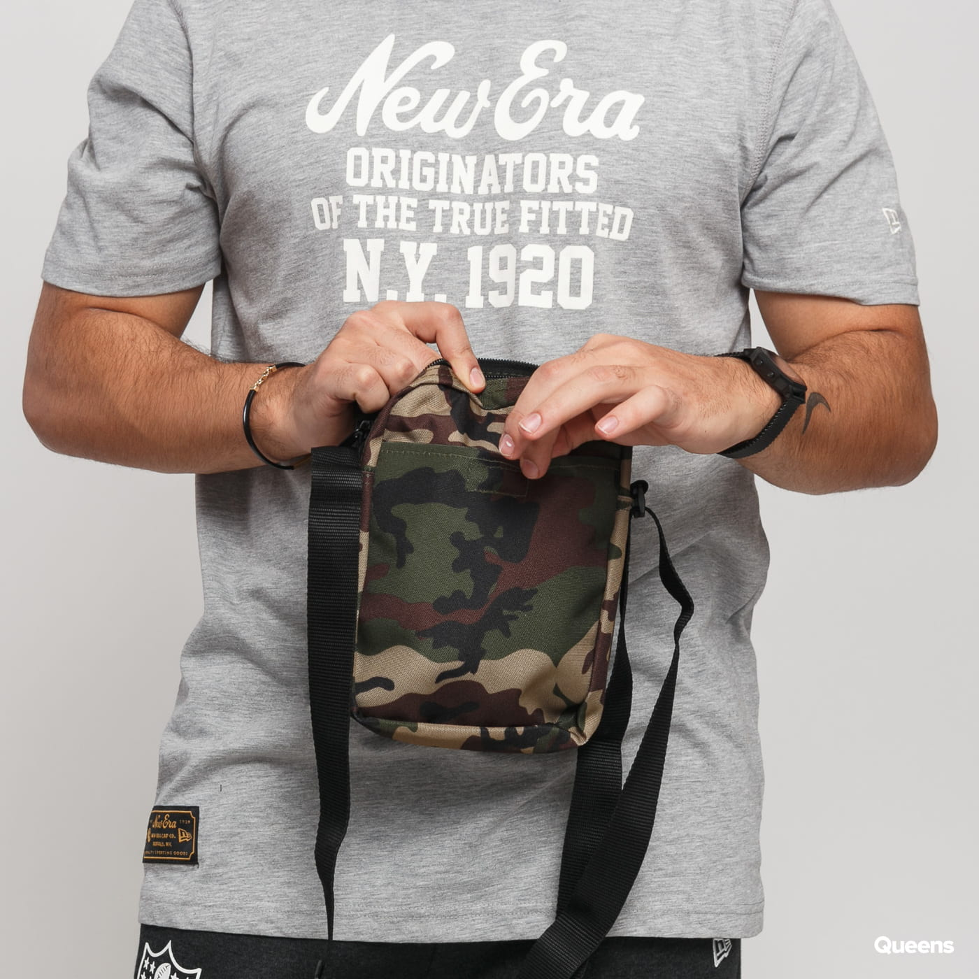 New Era MLB Side Bag NY camo zelená