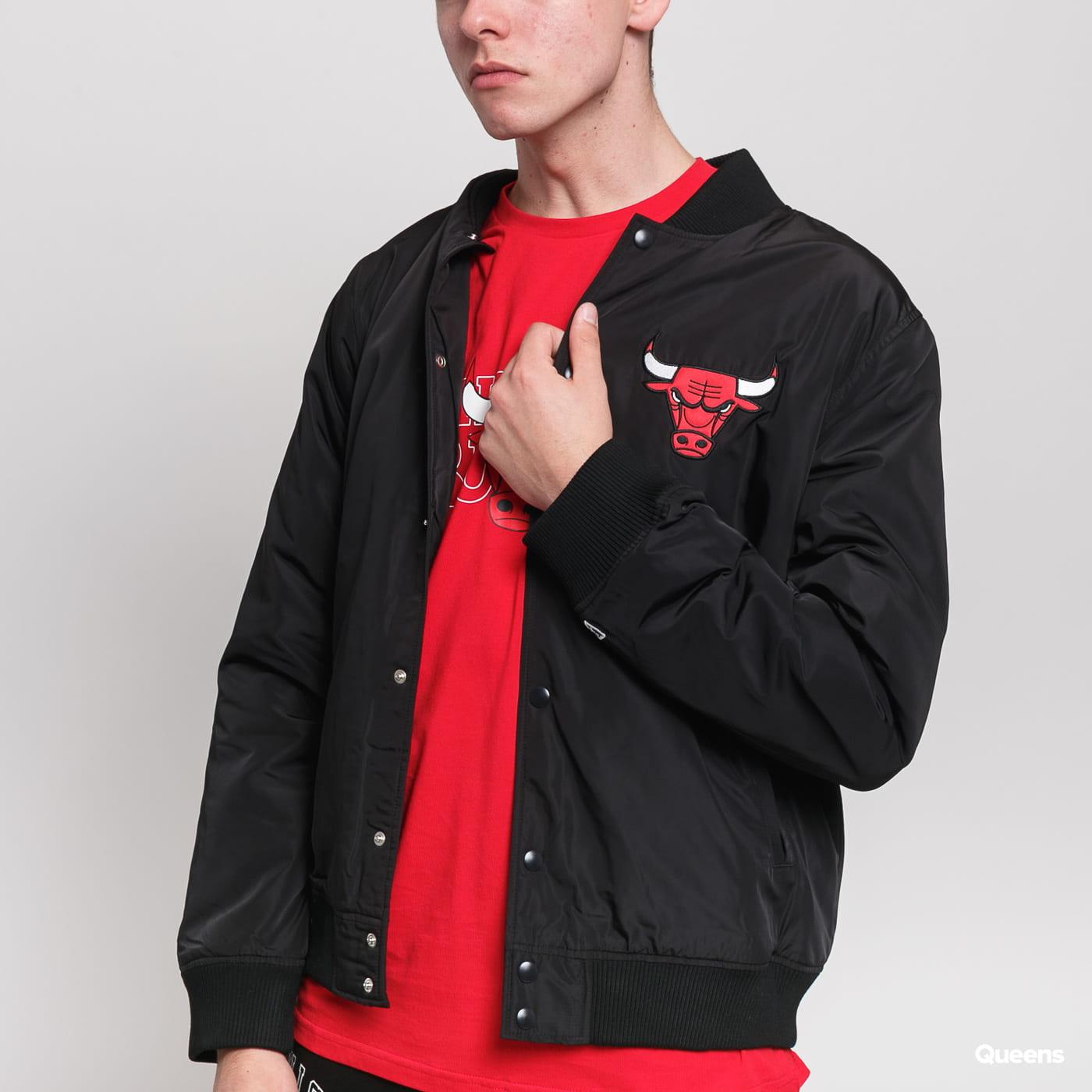 New Era NBA Team Logo Jacket Chicago Bulls black