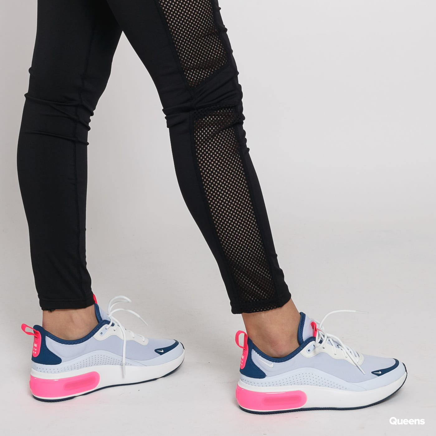 Urban Classics Ladies Mesh Side Stripe Leggings čierne