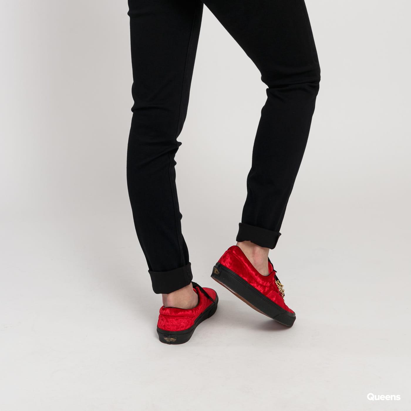 Levi's ® 721 High Rise Skinny Long Shot black / red