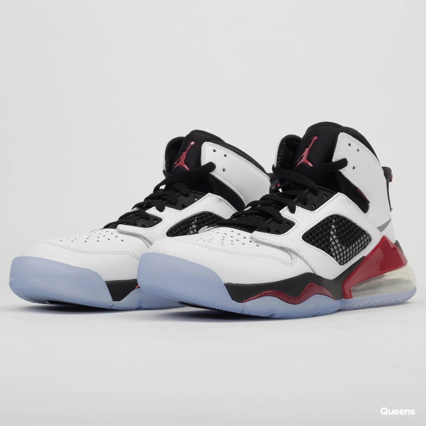 Sneakers Jordan Mars 270 white