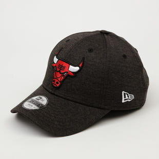 New Era 940K Shadow Tech Bulls