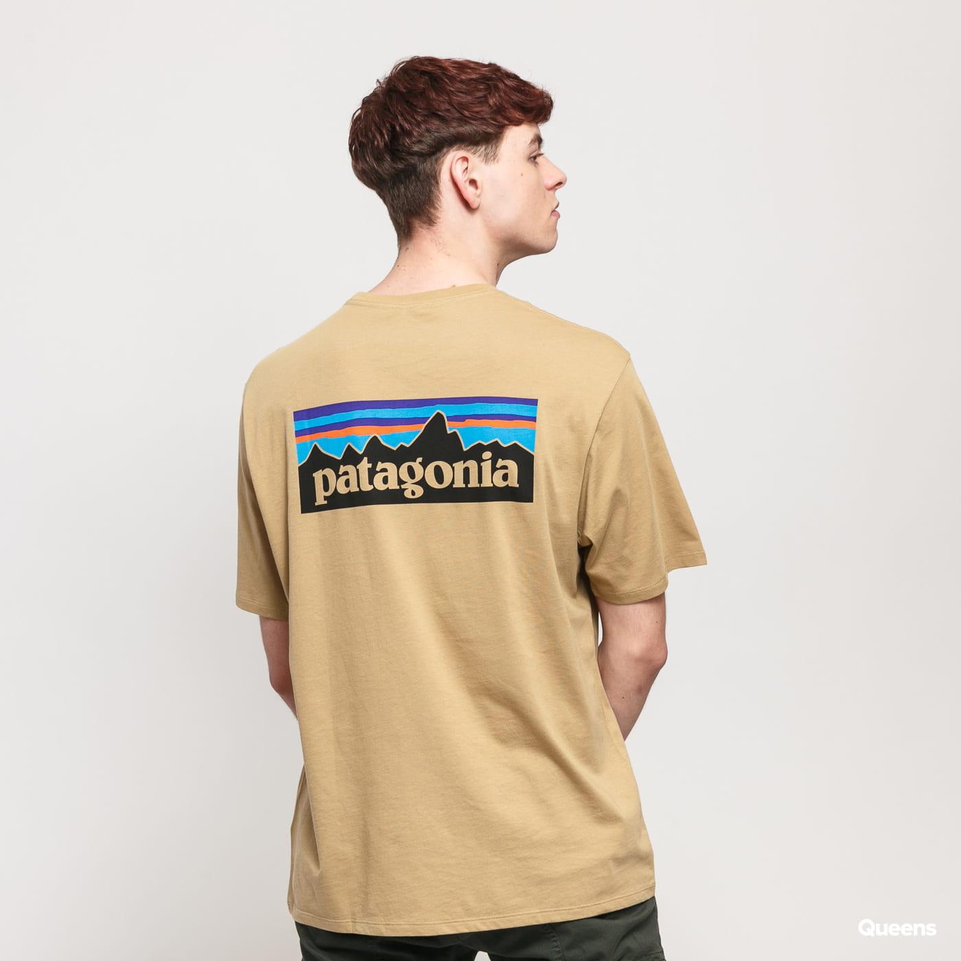 Patagonia M's P6 Logo Organic Tee tmavobéžové