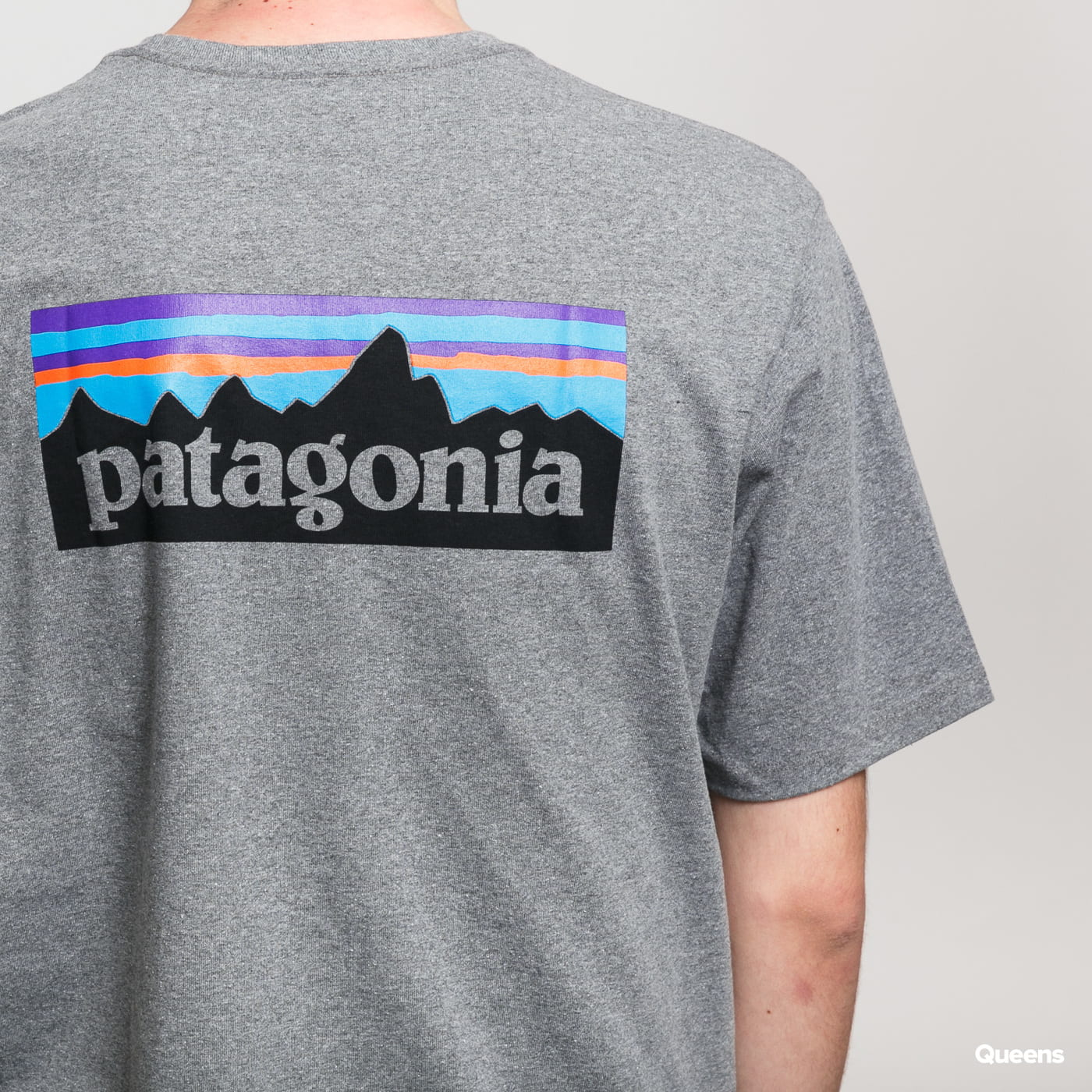 Patagonia M's P6 Logo Responsibili Tee grau meliert