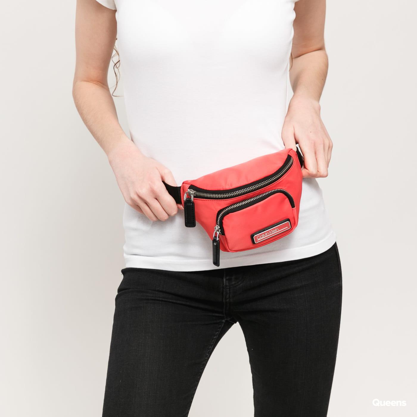 CALVIN KLEIN JEANS Primary Mini Waistbag pink / schwarz