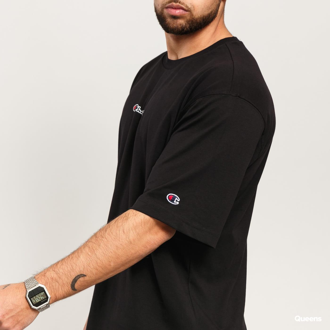 Champion Oversized Script Logo Print T-Shirt čierne