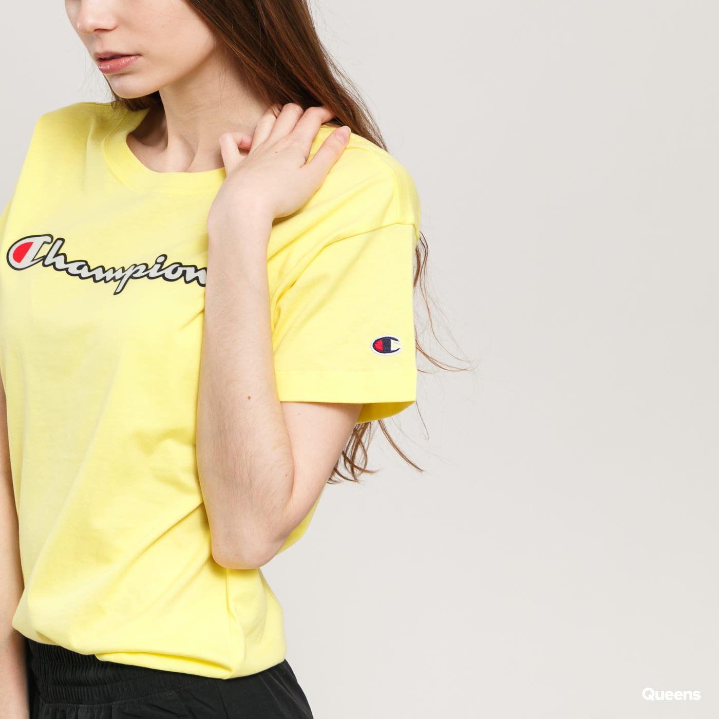 Champion Vintage Script Logo Crew Neck T-Shirt gelb