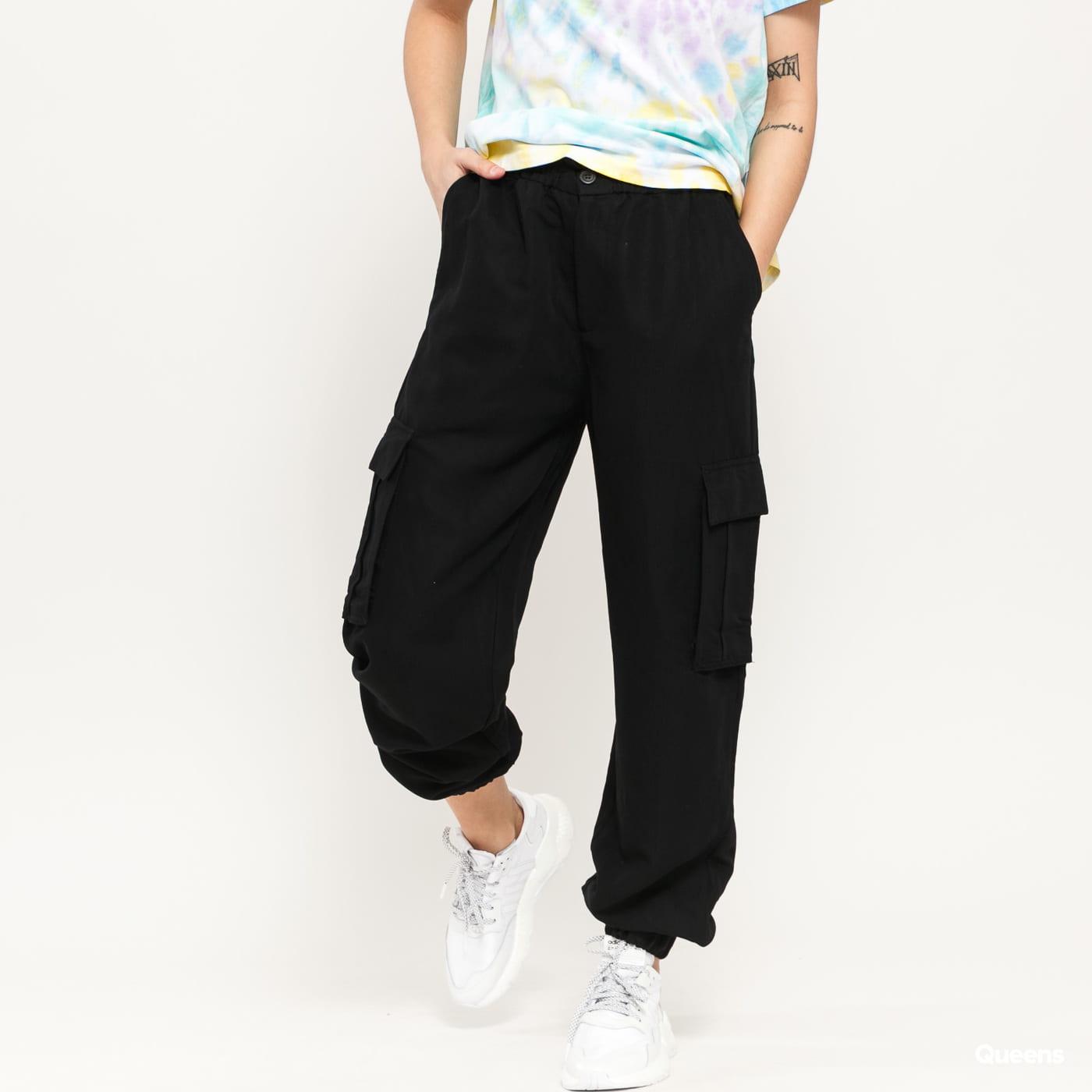 Urban Classics Ladies Viscose Twill Cargo Pants černé