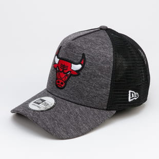 New Era 940 Shadow Tech AF Trucker Chicago Bulls