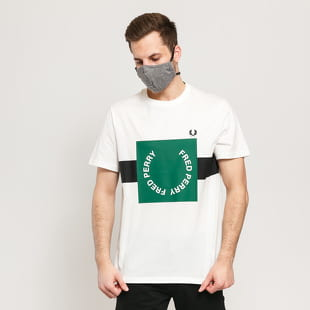 FRED PERRY Bold Graphic Tee