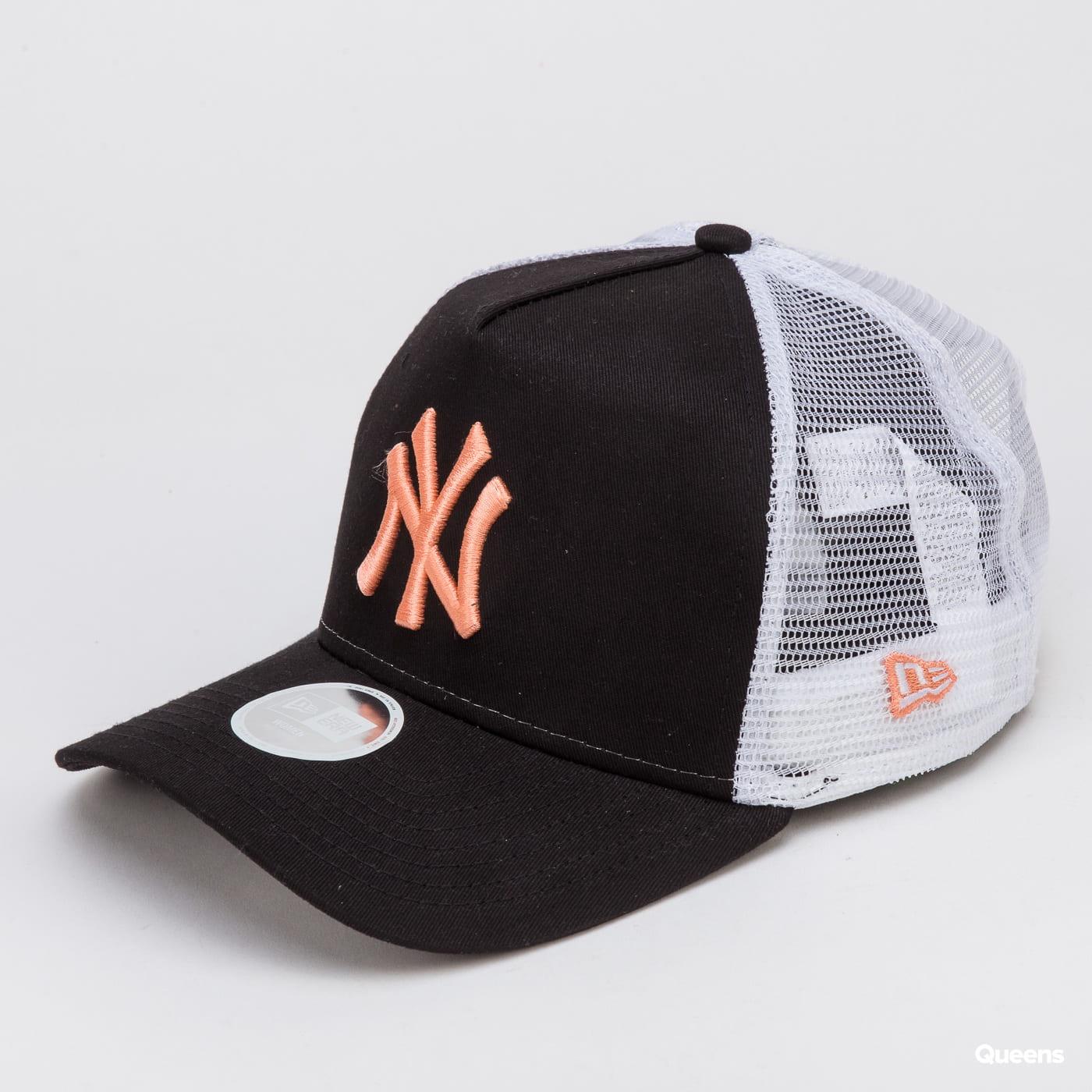 New Era 940W MLB League Essential AF Trucker NY black / white