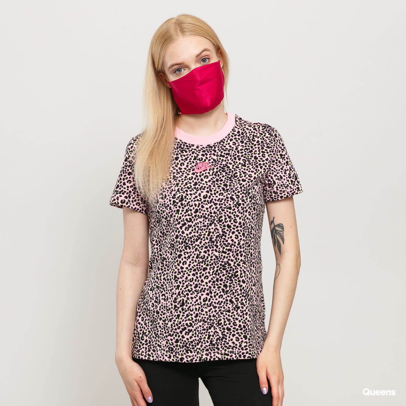 Nike W NSW AOP Print Pack SS Tee pink / black