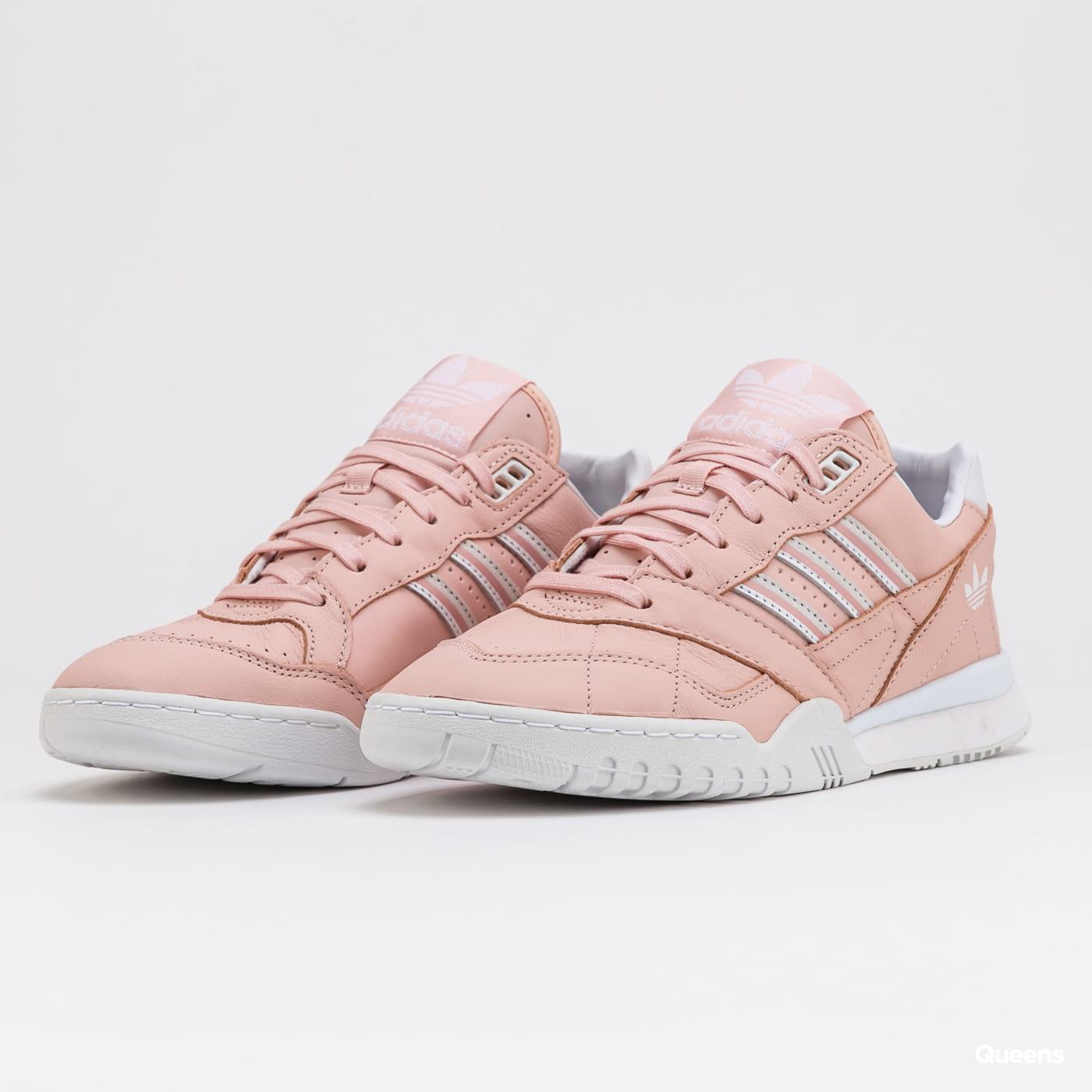 adidas Originals A.R.Trainer W vappnk /ftwwht / ftwwht