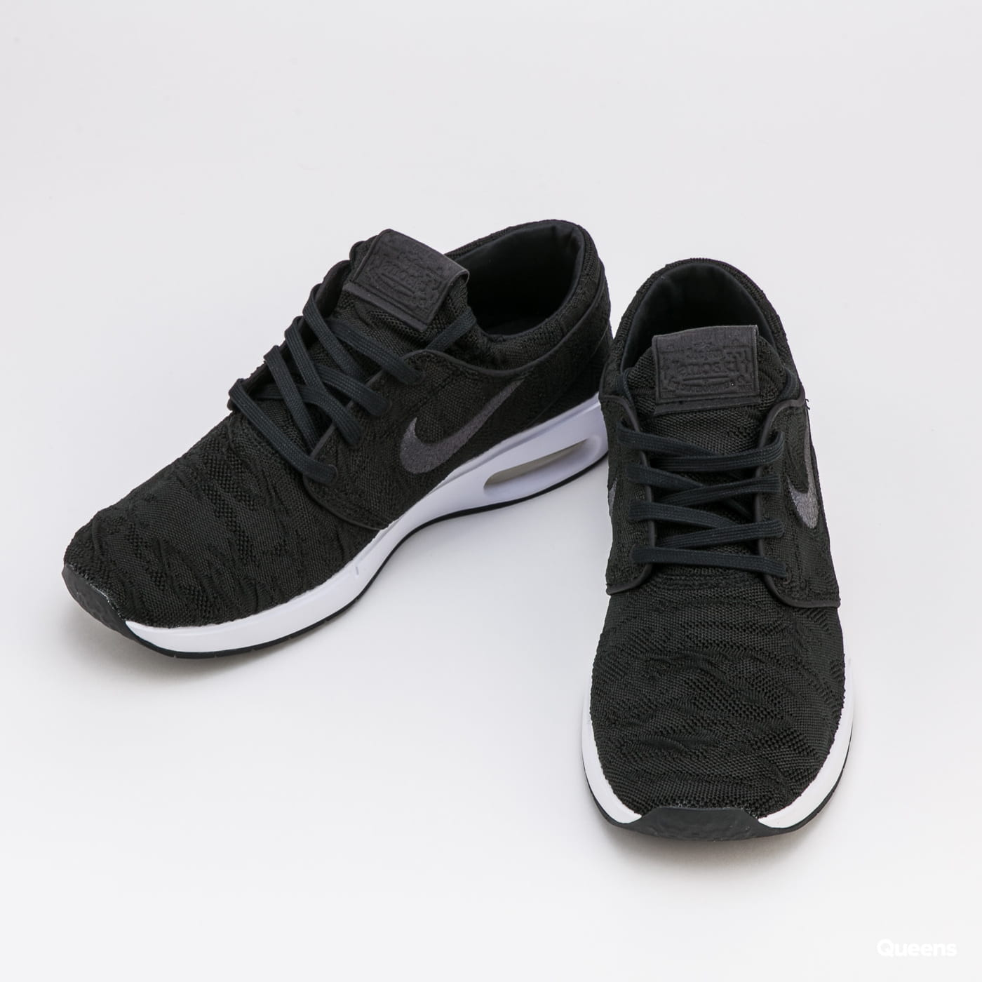 Nike SB Air Max Janoski 2 black / anthracite - white