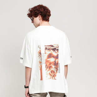 PREACH Splitted Face Tee