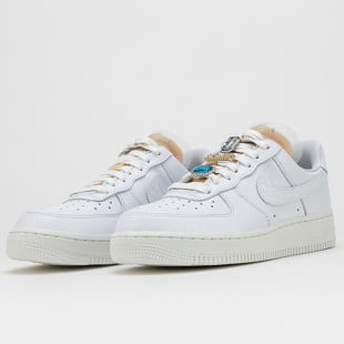 Nike WMNS Air Force 1 '07 LX