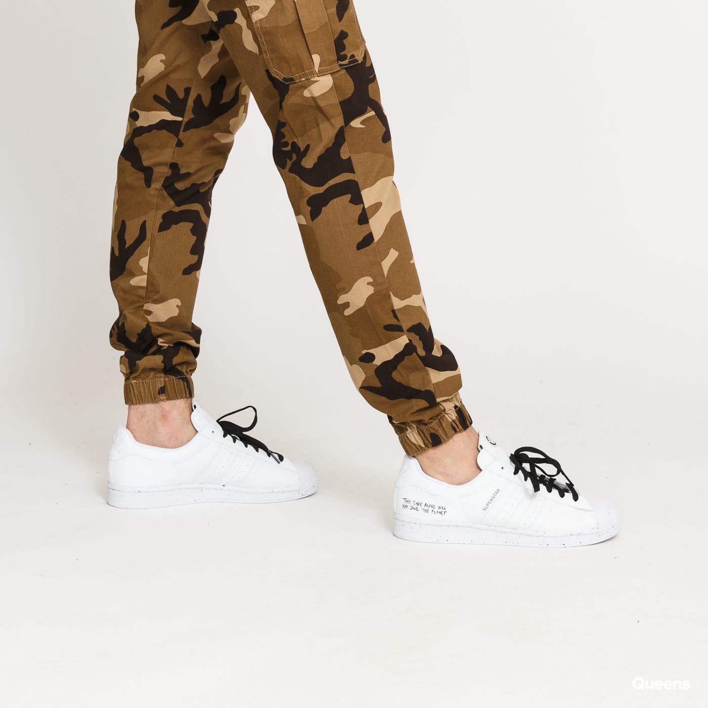 Urban Classics Camo Cargo Jogging Pants 2.0 camo beige / brown