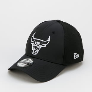 New Era 3930 NBA Dashback Chicago Bulls