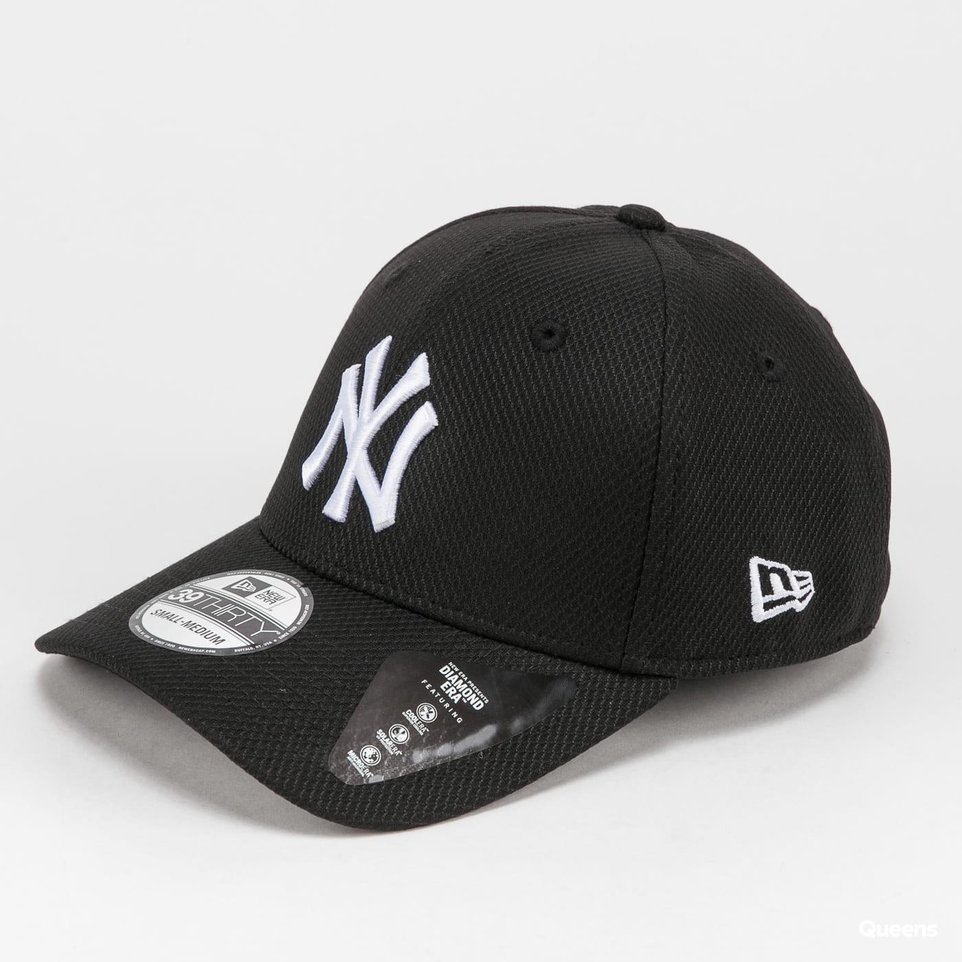 New Era 3930 MLB Diamond Era NY černá / bílá