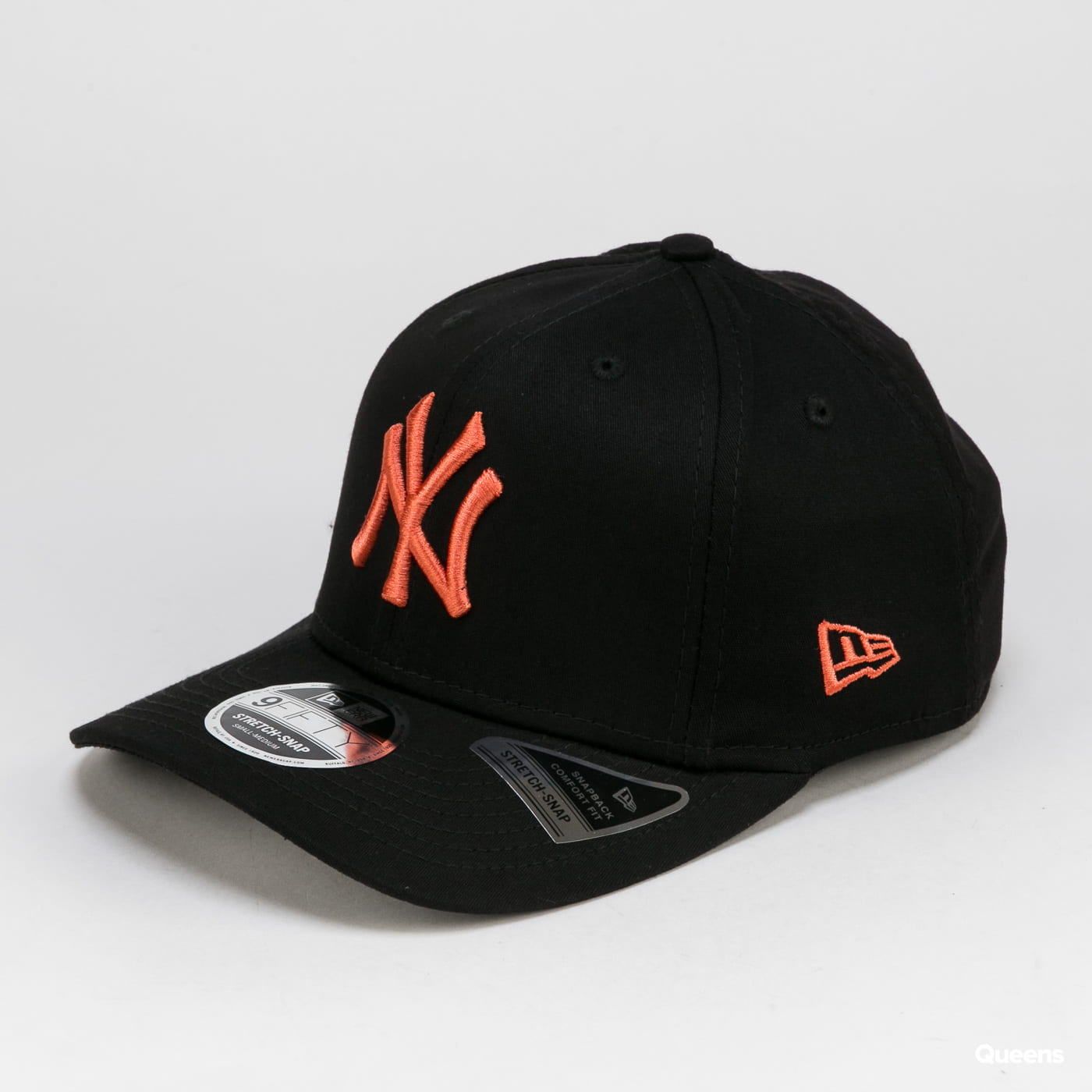 New Era 950 MLB Stretch Snap NY černá