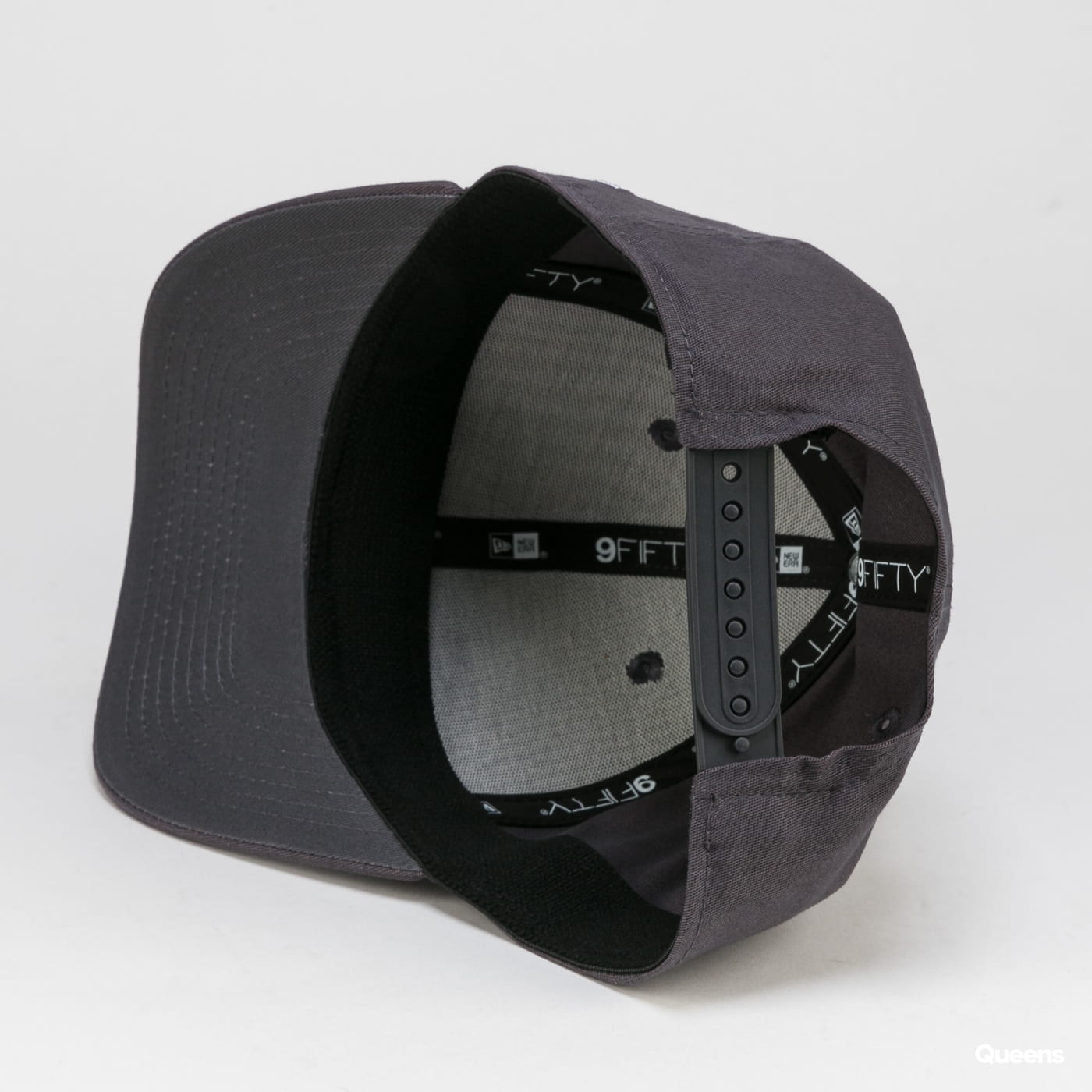 New Era 950 Stretch Snap Essential New Era dark gray