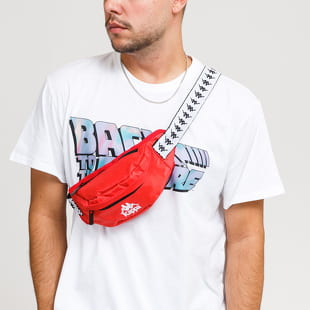 Kappa A waist bag from Kappa in a dark orange colorway with a black and white strap and a decent front logo. If you want to refresh your closet and solve th