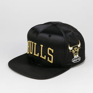 Mitchell & Ness Gold Toile Snapback Chicago Bulls