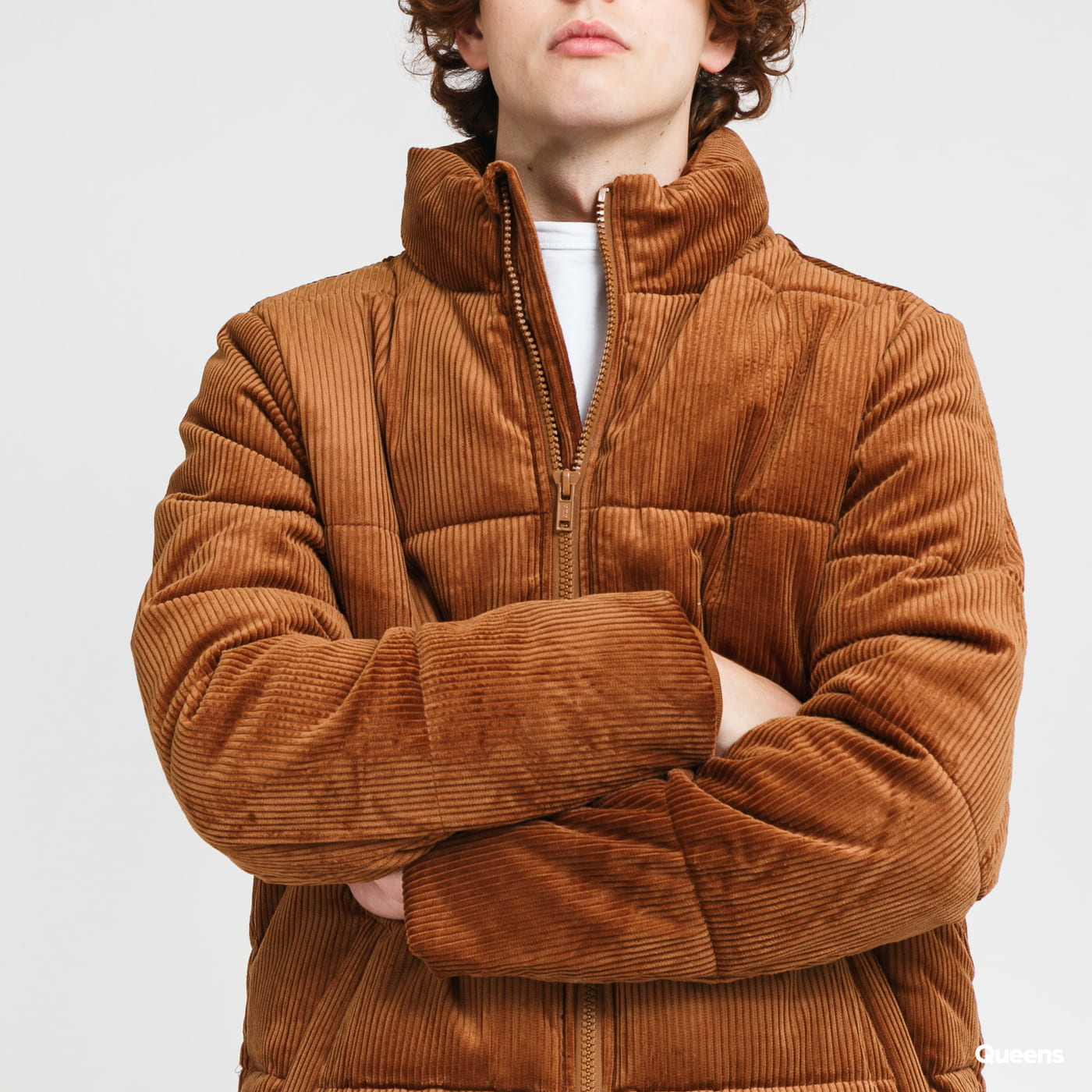 Urban Classics Boxy Corduroy Puffer Jacket hnědá