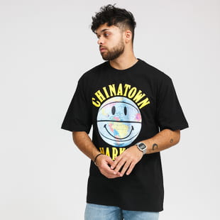 Chinatown Market Smiley Globe Ball Tee