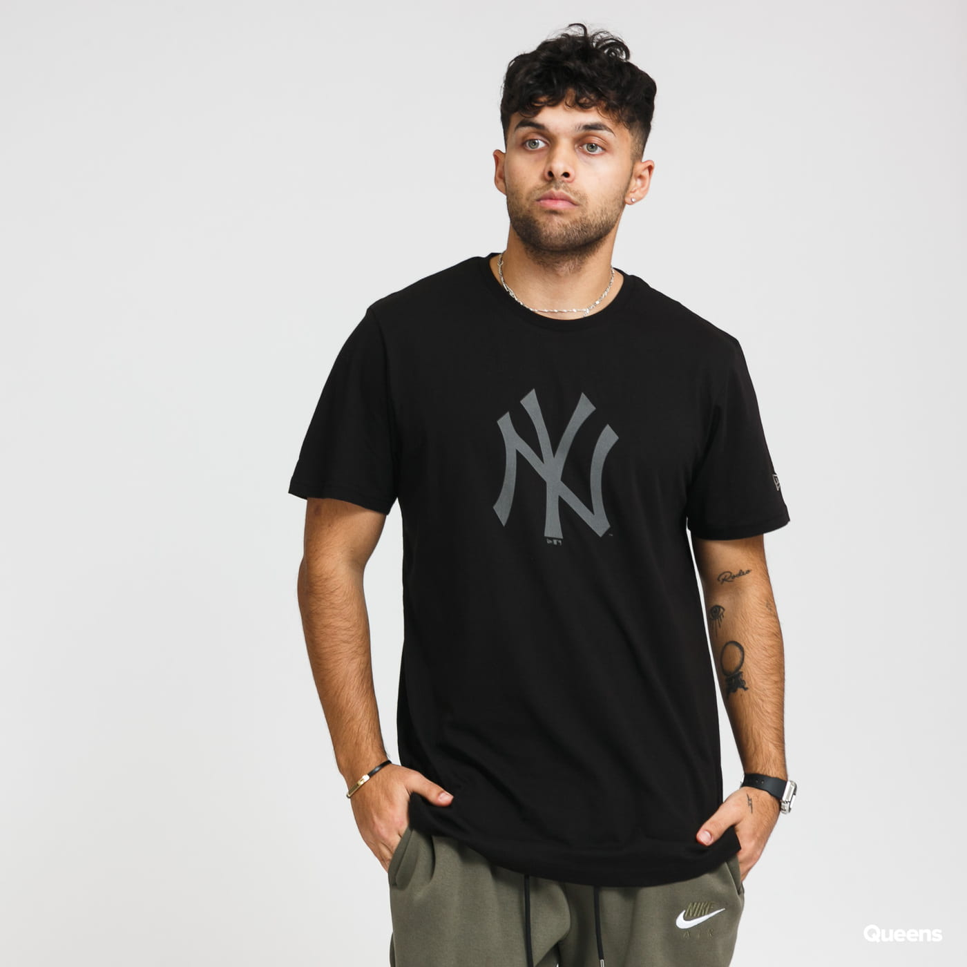 New Era MLB Reflective Print Tee NY černé