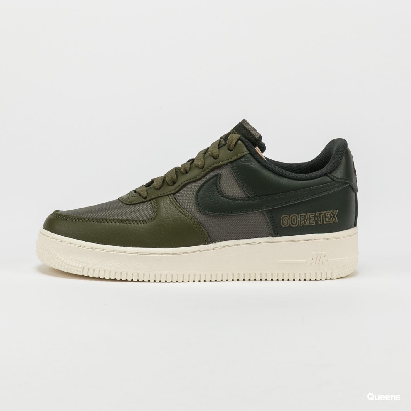 Nike Air Force 1 GTX medium olive / deepest green