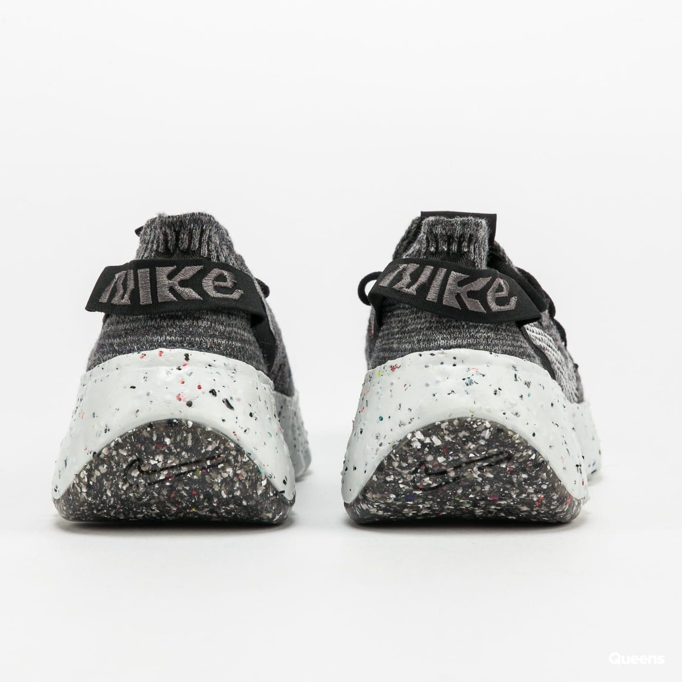 Nike W Space Hippie 04 iron grey / photon dust - black