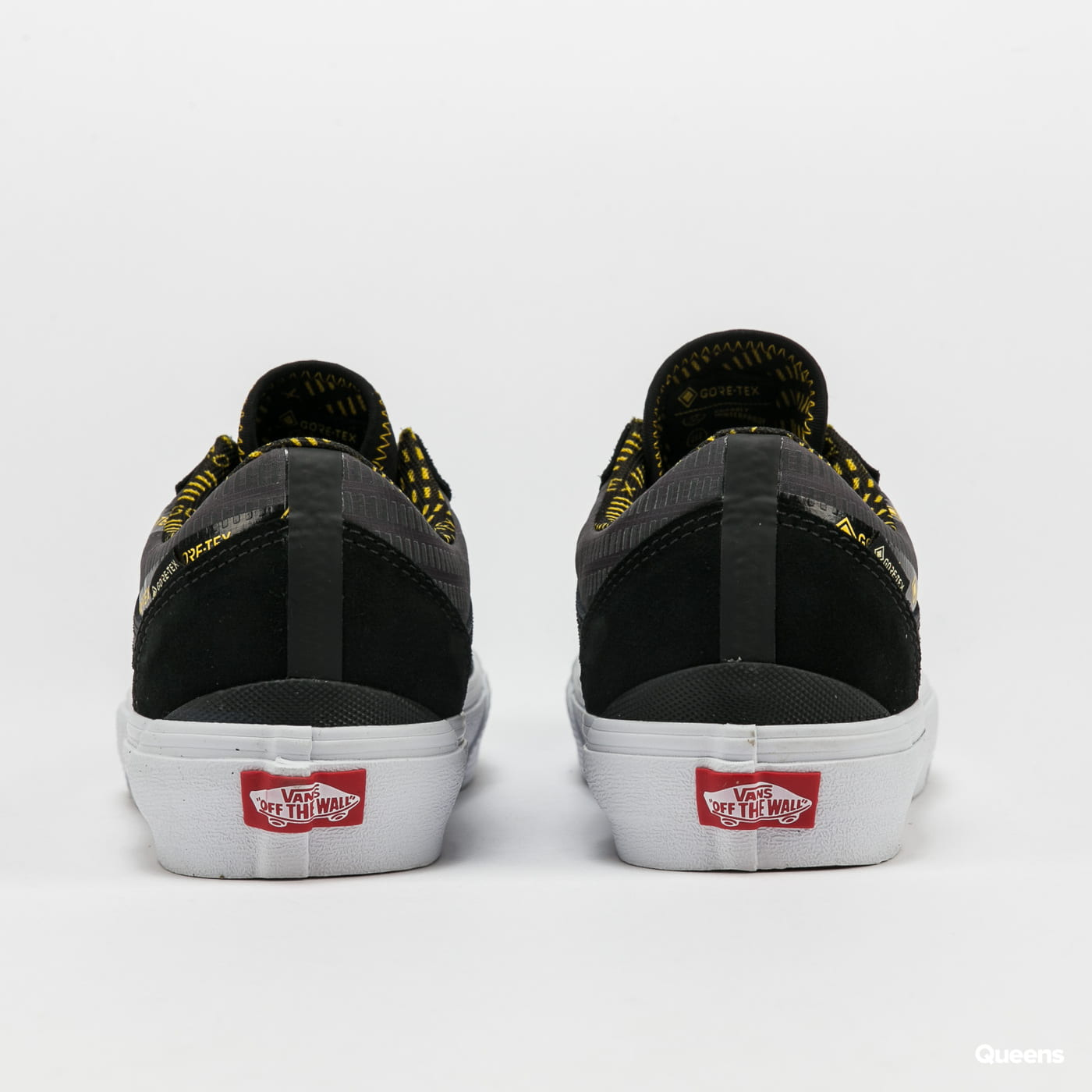 Vans Old Skool Gore-Tex (gore-tex) black / lemon chrome