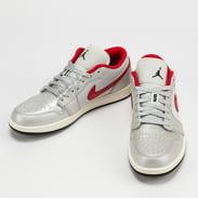 Jordan AIr Jordan 1 Low Premium metallic silver / university red