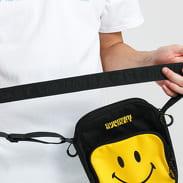 Chinatown Market Smiley Side Bag černá / žlutá