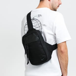 Nike Sportwear Essentials Hip Pack