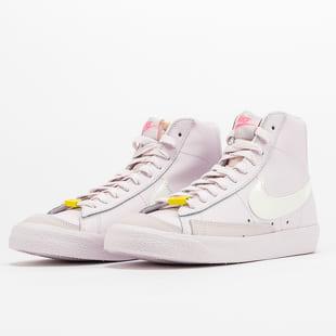Nike WMNS Blazer Mid '77