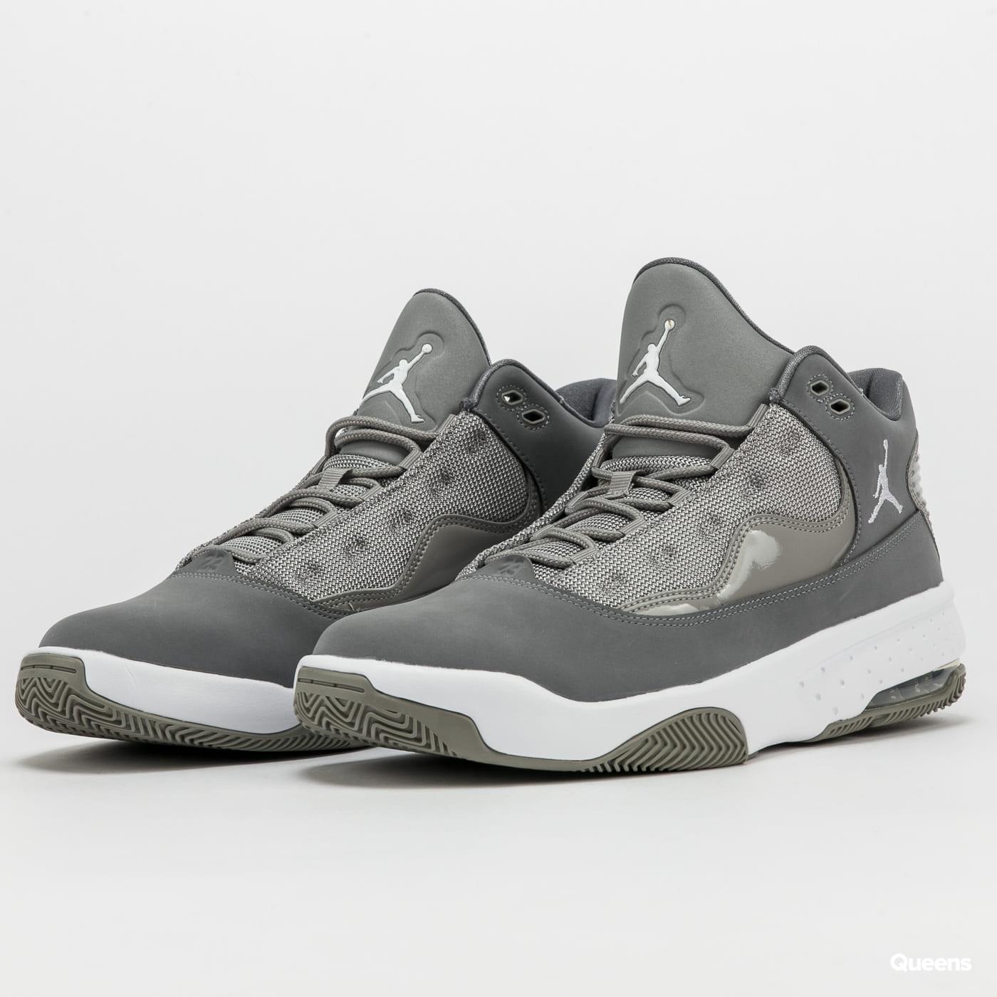 Jordan Max Aura 2 medium grey / white - cool grey