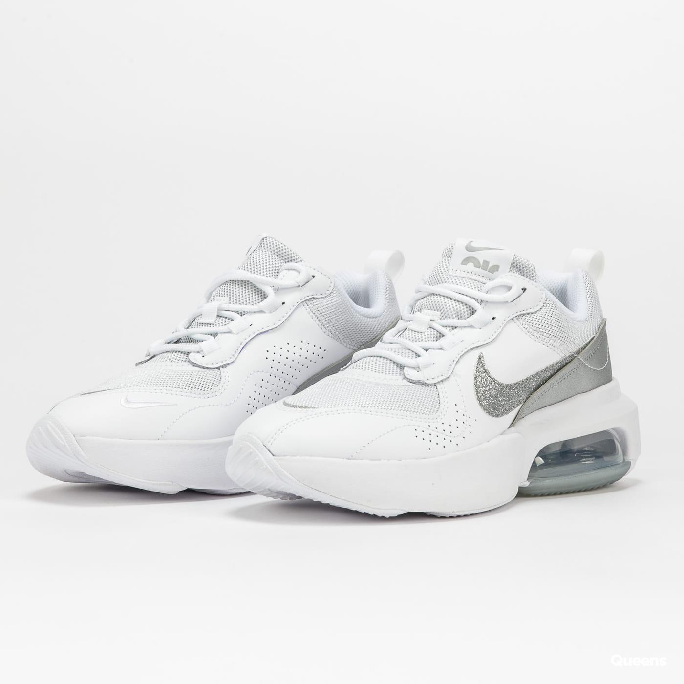 Nike WMNS Air Max Verona white / white - metallic silver