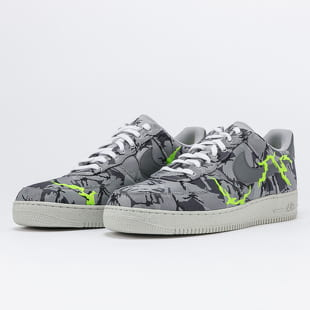 Nike Air Force 1 '07 LV8 LX