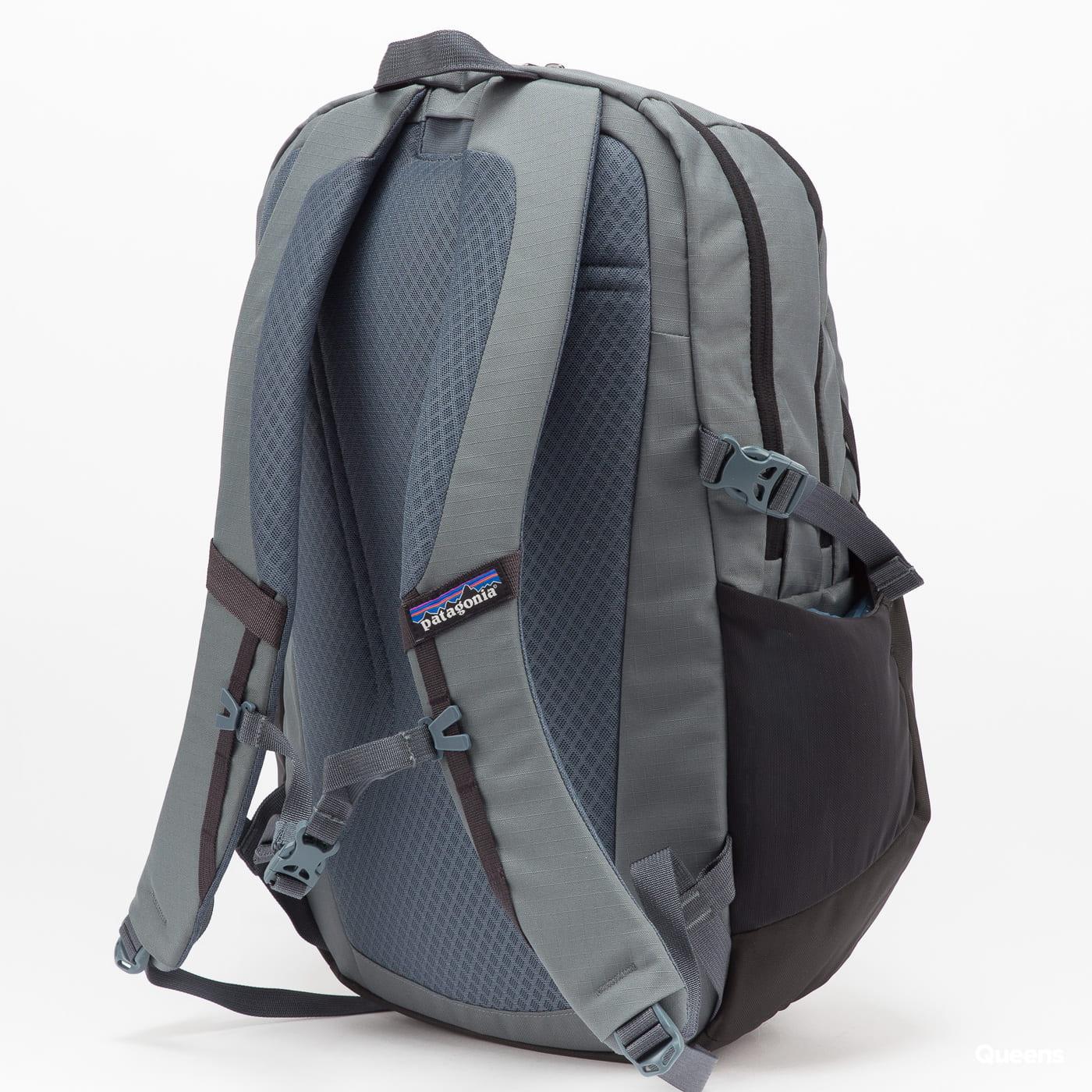 Patagonia Refugio Pack 28L šedý / černý