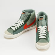 Nike Blazer Mid '77 dutch green / tm orange