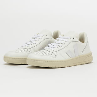 VEJA WM V - 10 Leather