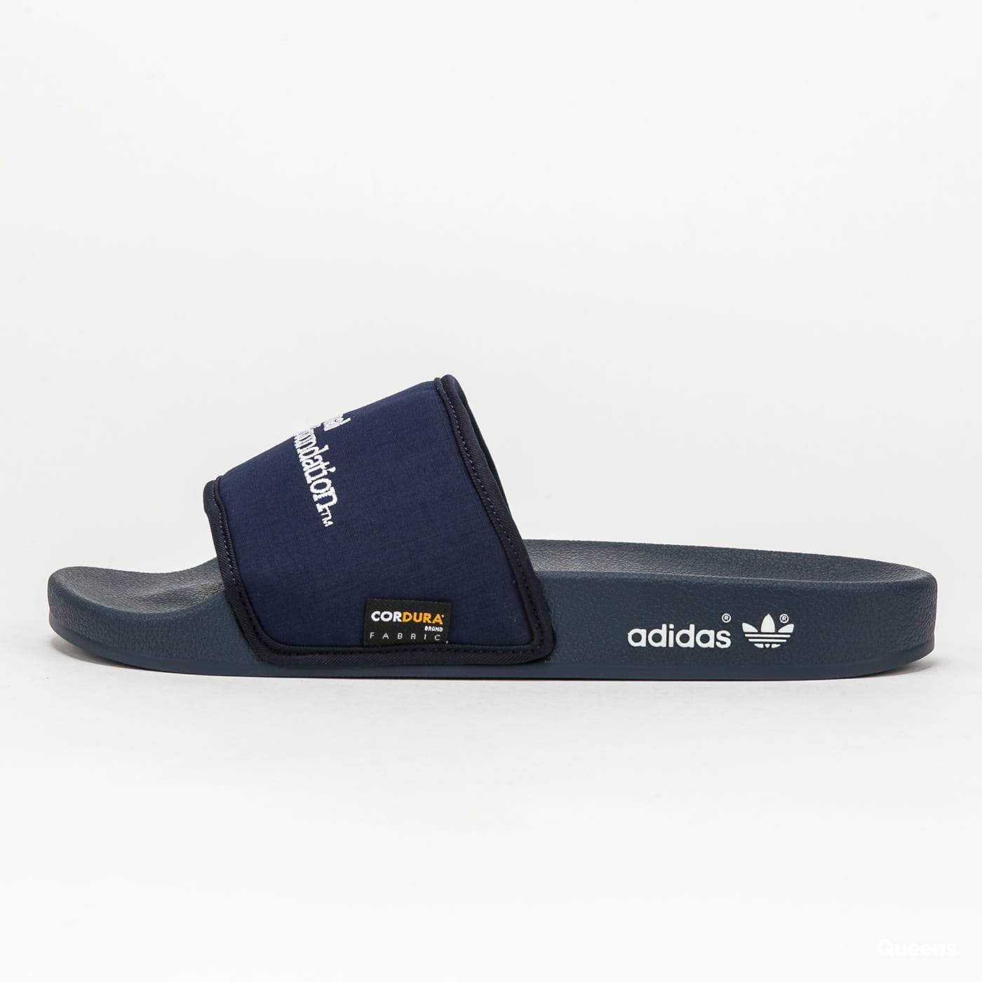 adidas Originals Adilette conavy / ftwwht / conavy