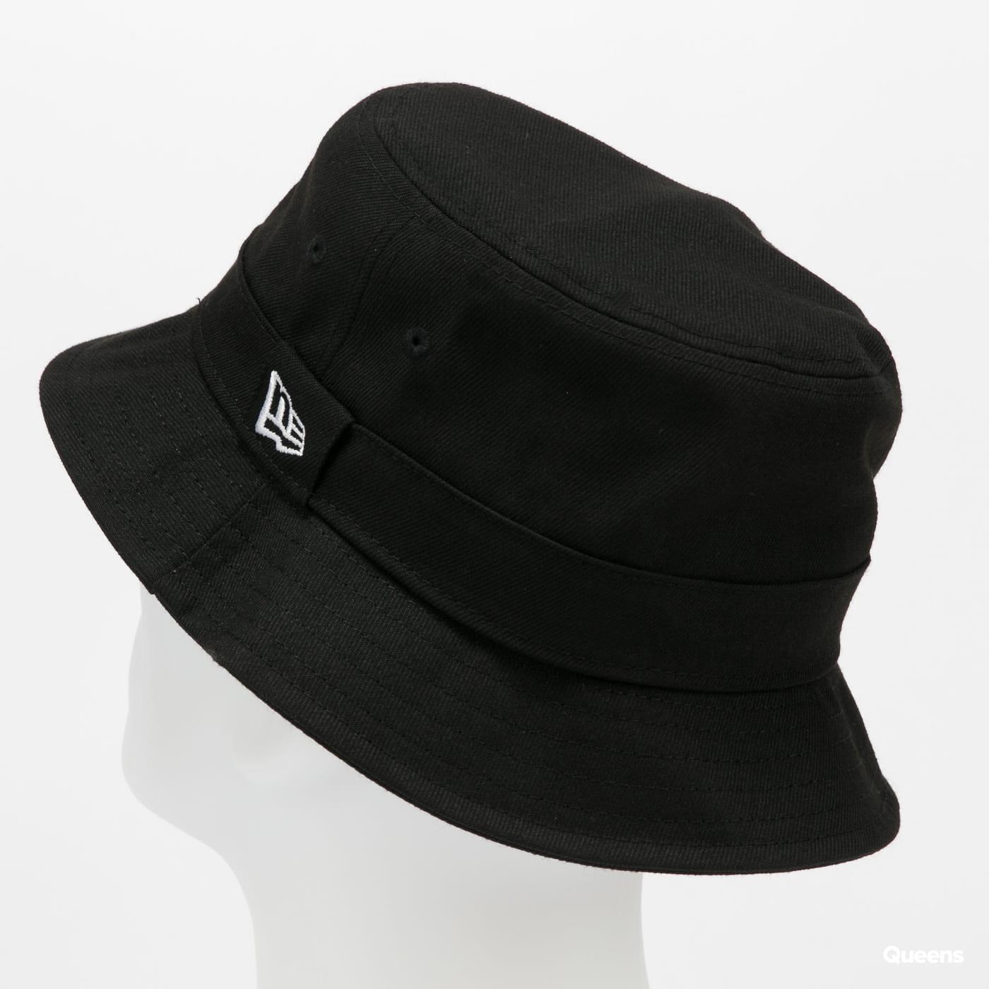 New Era Essential černý
