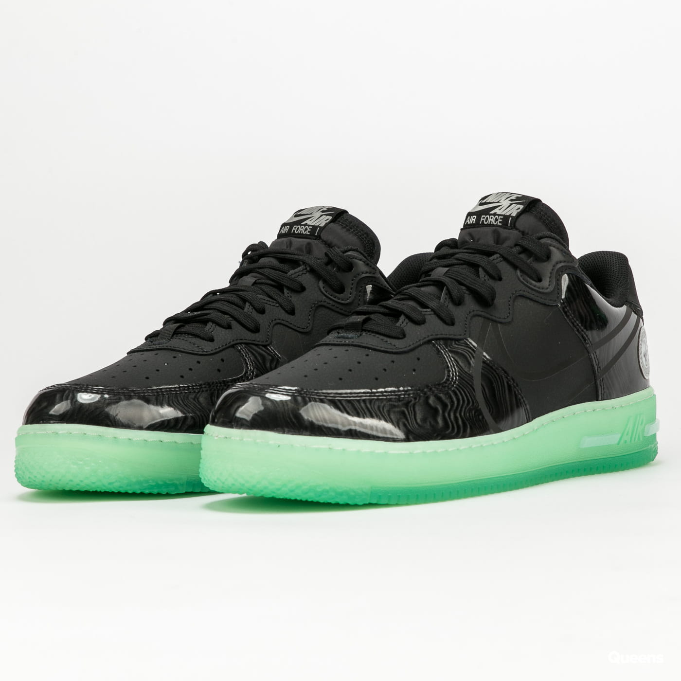 Nike Air Force 1 React LV8 black / black - barely green