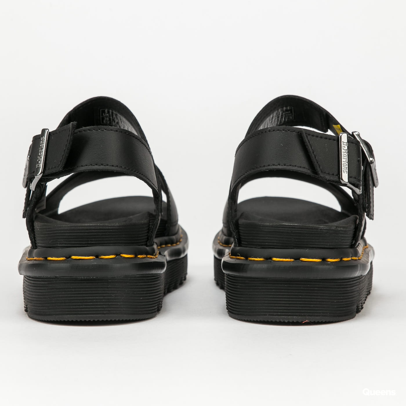 Dr. Martens Voss black hydro leather