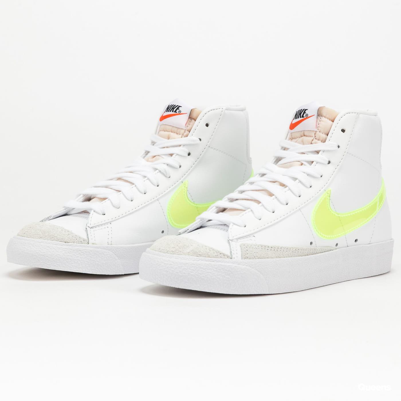 Nike W Blazer Mid '77 Essential white / volt - orange - black