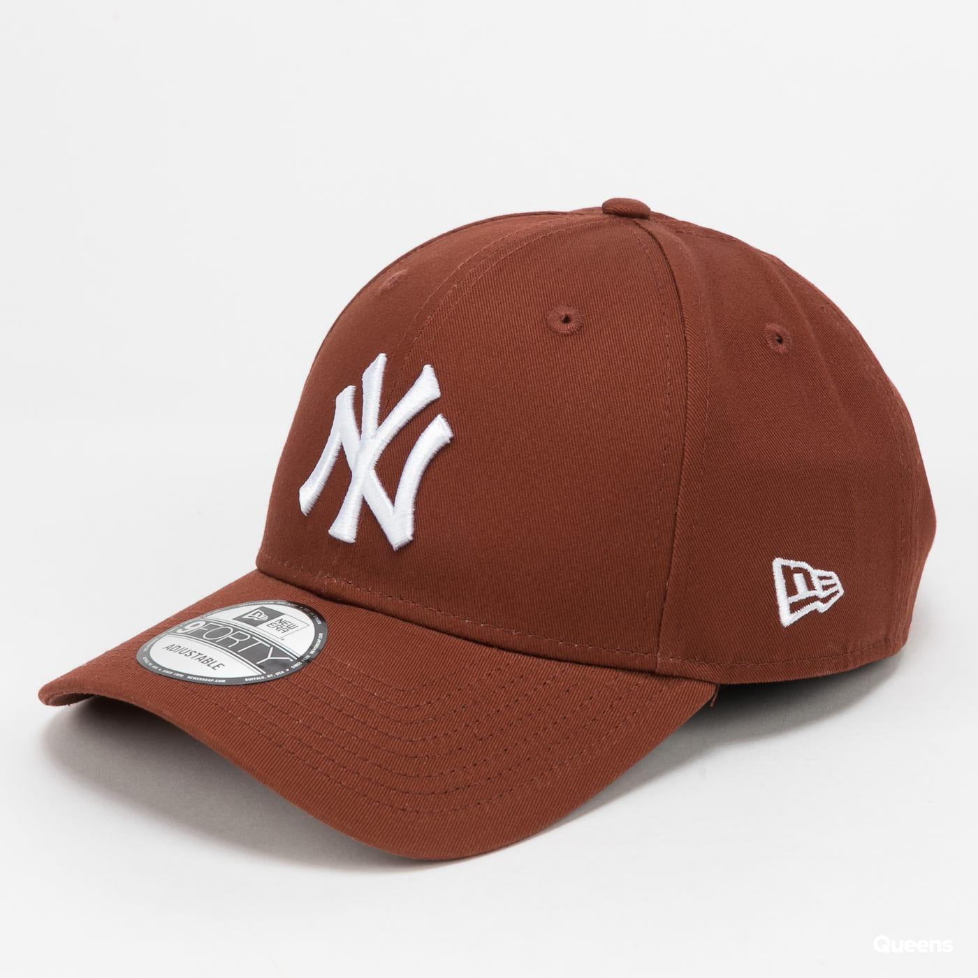 New Era 940 MLB League Essential NY hnědá / bílá