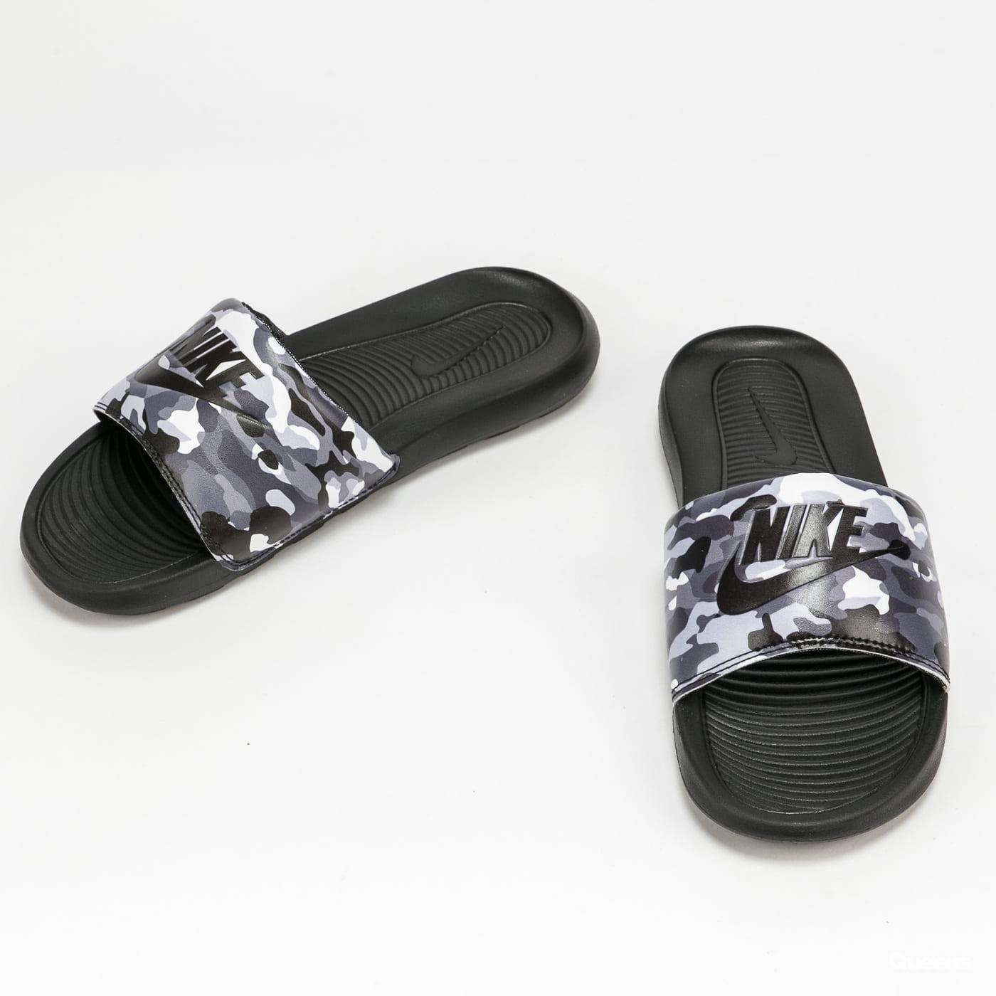 Nike Victori One Slide Print black / black - grey fog